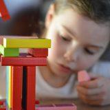 Quelle est la différence entre un jouet éducatif et un jeu classique ?